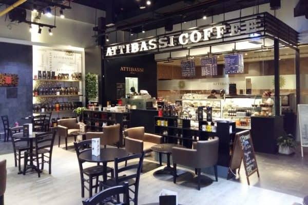 Interno Caffetteria in Franchising Attibassi - Veduta tavolini ed interno