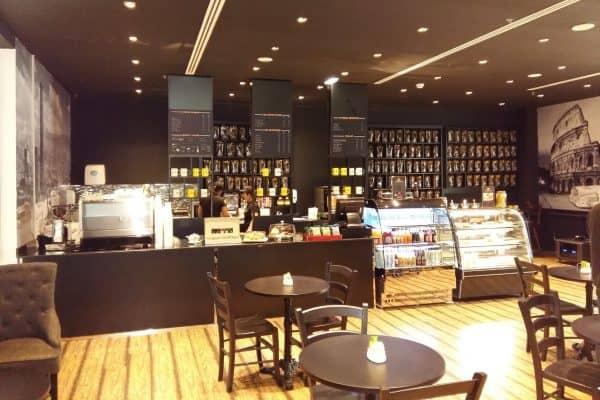 Caffetteria in Licensing Attibassi Dubai - Veduta dell'interno