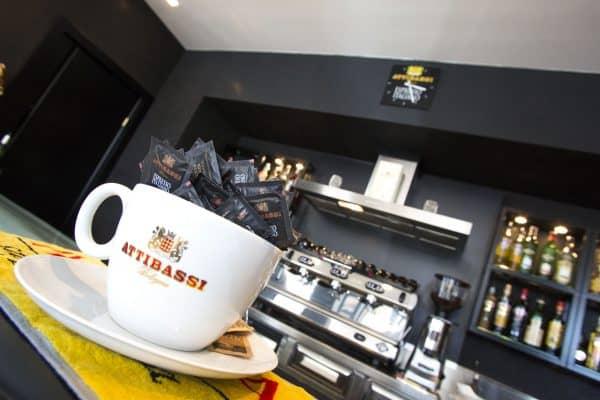 Interno Caffetteria in Franchising Attibassi e Tazzone portazucchero